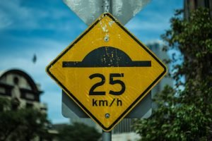 speed_limit_sign_25_km/h